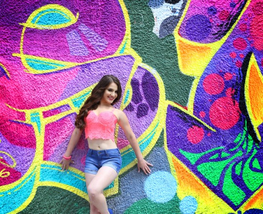 Quinceañera photo shoot Wynwood Graffiti